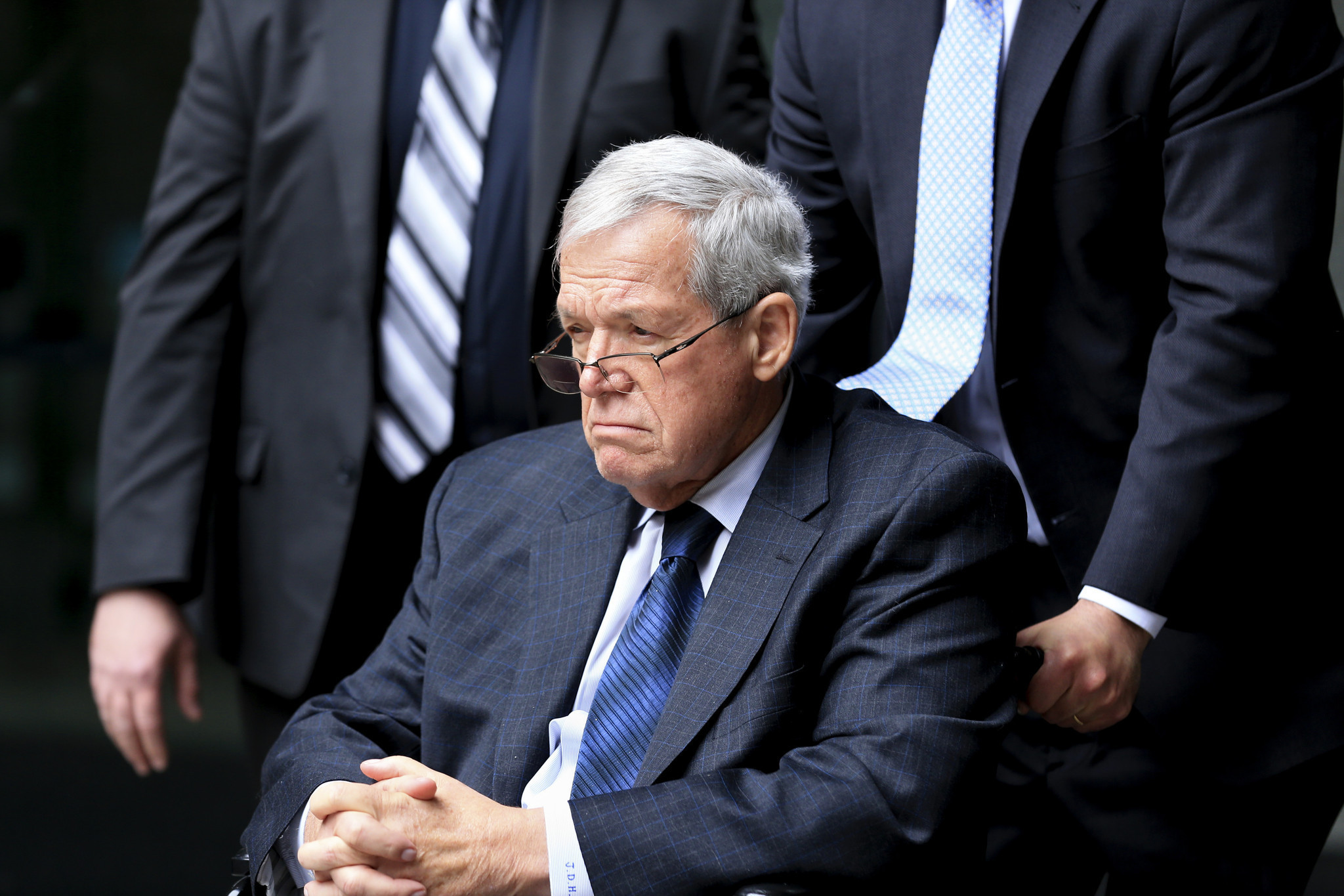 ct-dennis-hastert-lawsuit-met-20170222